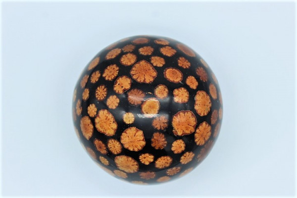 Resin / Gießharz Ball with naturall Inlay Wood Slizes ,Size ca.150 mm