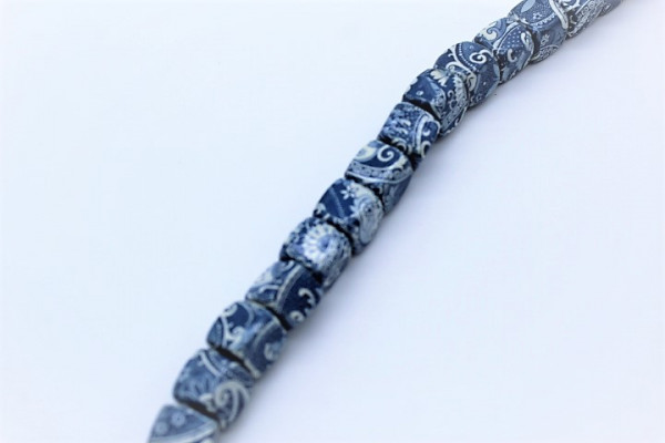 Handmade Paper Beads DICE ca.20 mm Batik Blue