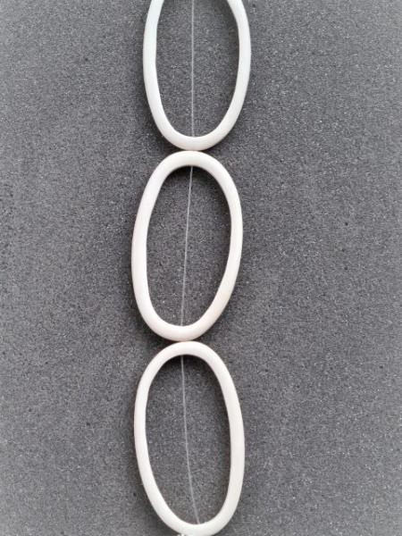 White Wood Irregular Ring ca.70mm x 40mm