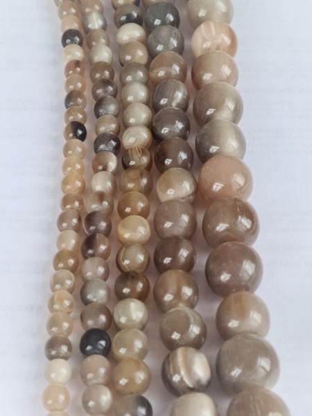 White / Beige Horn round Beads