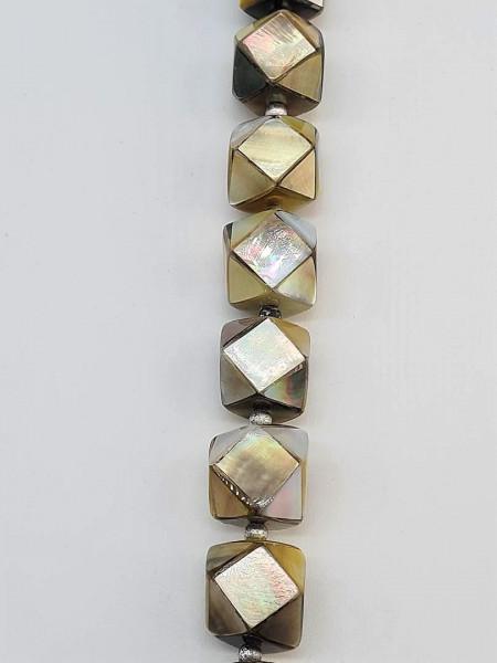 Shell Dice diamond Cut ca. 16mm