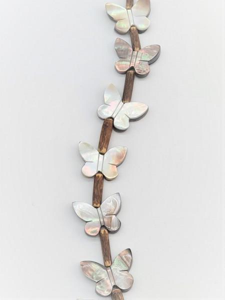 Seashell Butterfly 22mm x 18mm x 4mm