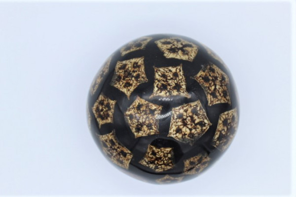 Resin / GisHartz Ball with naturall Inlay Mahagony Seads ,Size ca.150 mm